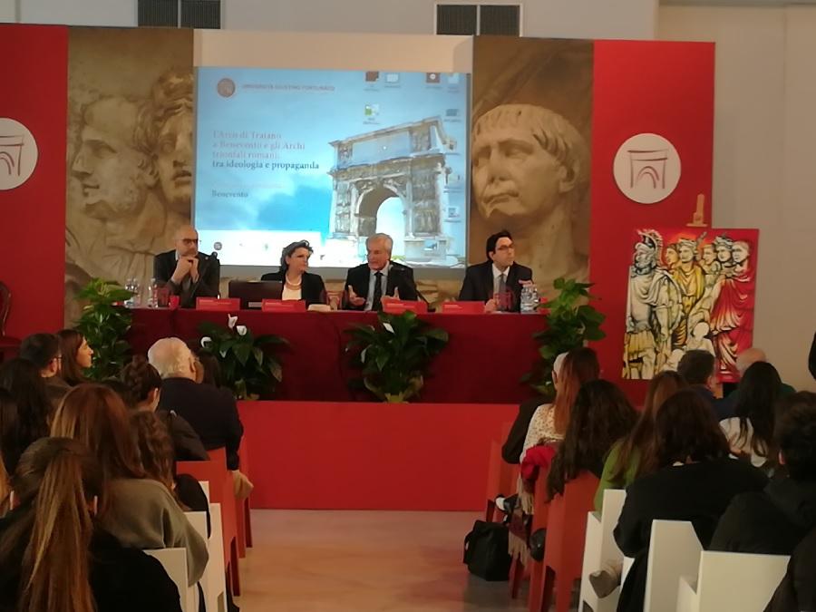 Benevento. L'Arco di Benevento e gli Archi trionfali romani oggi a Palazzo Paolo V.