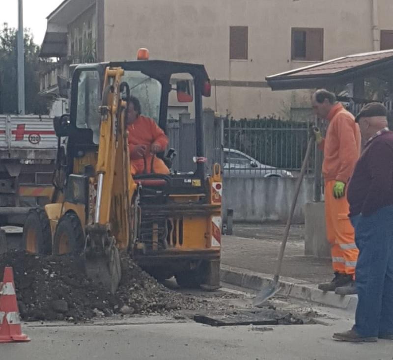 Dugenta: Iniziati i lavori per la banda ultra larga