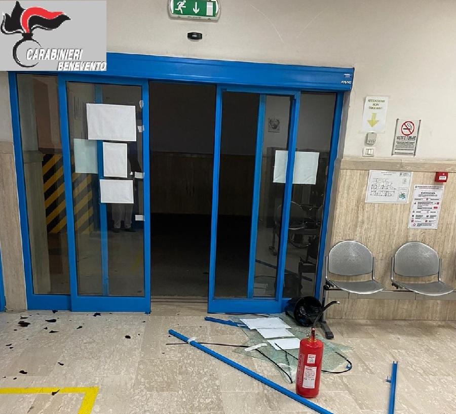 Benevento. Intemperanze di uno straniero all'Ospedale Fatebenefratelli. Arrestato dai Carabinieri