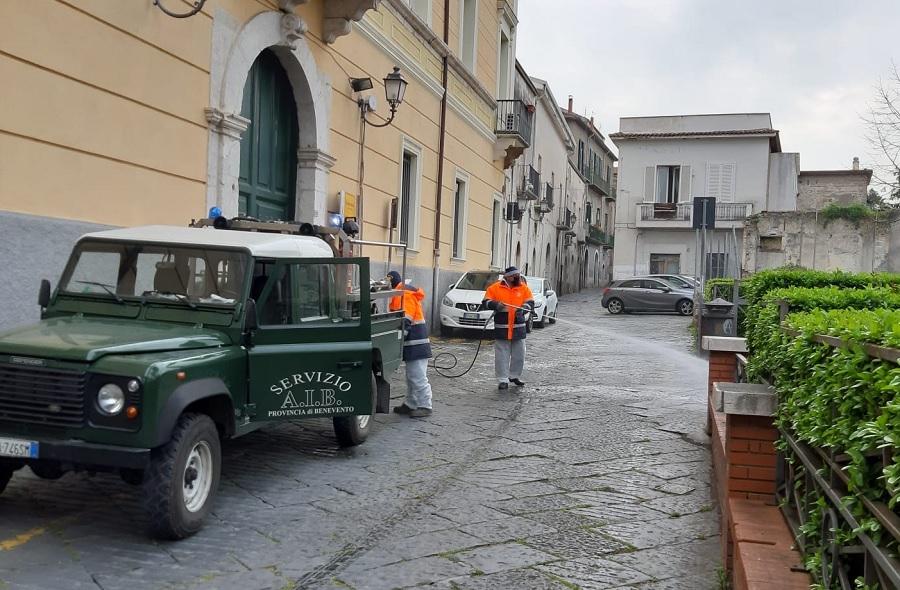 COVID19, Benevento: Proseguono gli interventi di sanificazione delle strade