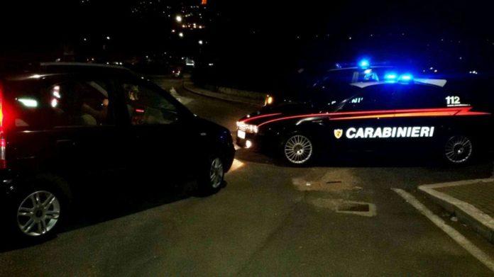 Dugenta (BN), organizzano gara in velocita' nel centro cittadino senza autorizzazione e provocano incidente