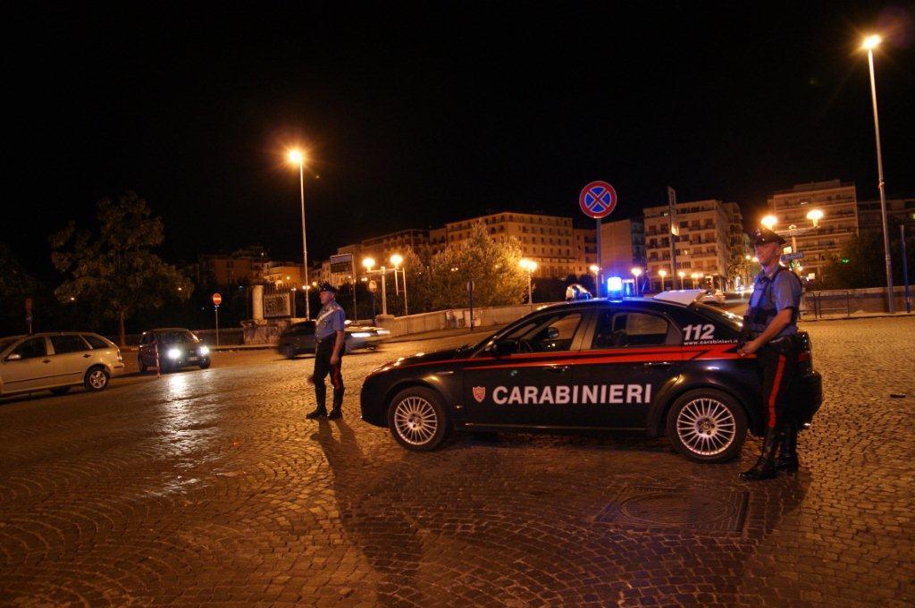 Movida, controlli dei Carabinieri, 5 persone denunciate in stato di libertà tra cui un minore per rapina
