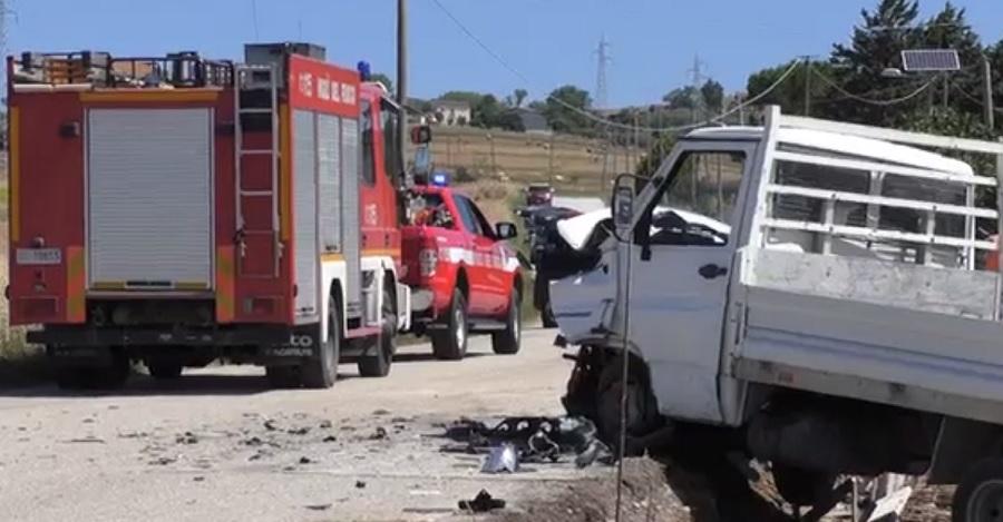 Pesco Sannita, in uno scontro tra auto e furgone due morti