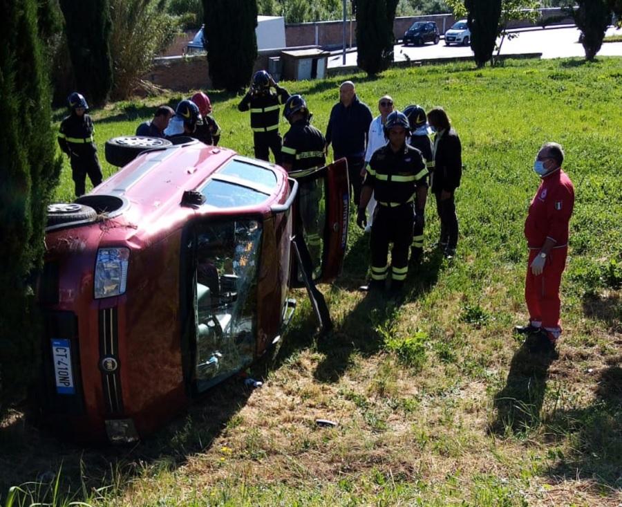 Benevento. Si ribalta con l'auto, 55enne finisce in Ospedale