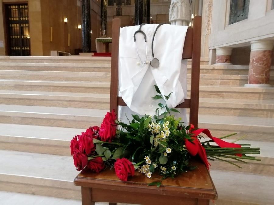 Medici ed infermieri vittime del Covid 19 ricordati con una Messa in Cattedrale