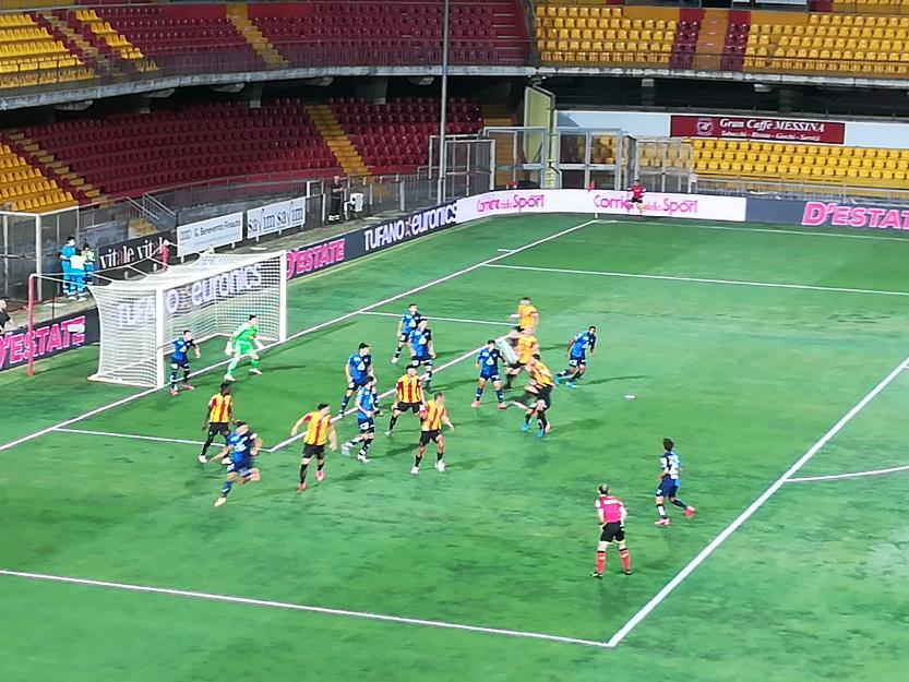 Il Benevento chiude il campionato in casa con una sconfitta. Benevento 0 Chievo Verona 1