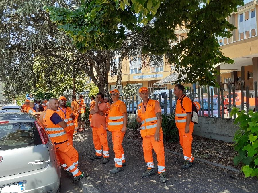 Provincia. Firmato il contratto con il Consorzio Esaf per la manutenzione stradale di 300 Km