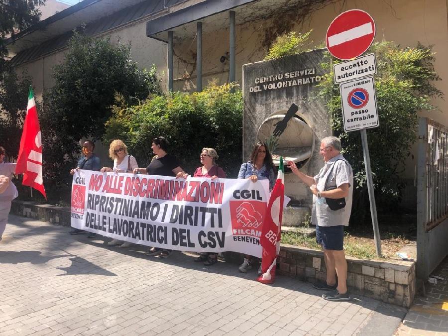 Cgil. Presidio dei lavoratori del CSV al Viale Mellusi