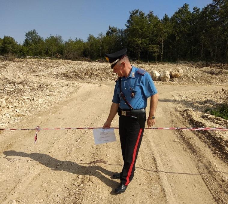 Cerreto Sannita (BN), tre soggetti sorpresi dai carabinieri mentre stavano estraendo pietra calcarea senza autorizzazione da un fondo