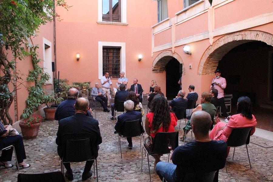 Borsa di studio annuale in memoria della baronessa M.R. Bosco Lucarelli. La presentazione nello storico Palazzo di San Martino Sannita