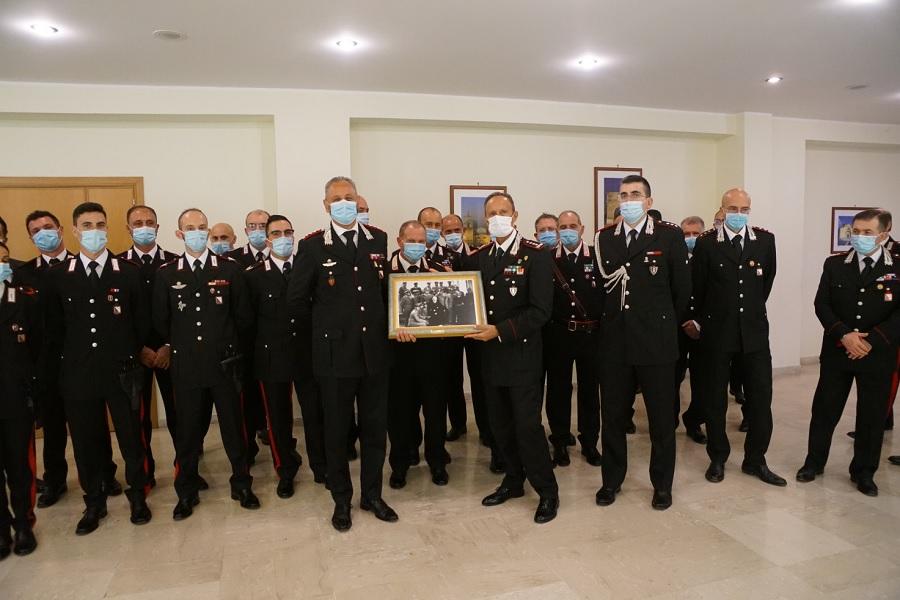 """Il Generale di Corpo d'Armata Adolfo Fischione comandante interregionale Carabinieri """"Ogaden"""" in visita presso il Comando Provinciale"""