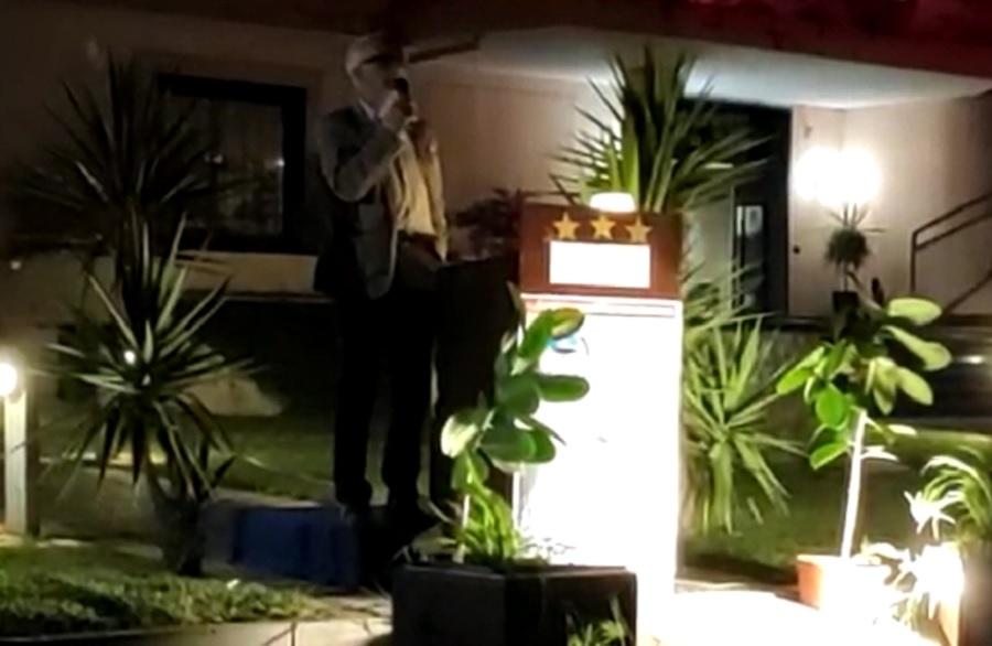 Luigi Abbate questa sera all'Hotel de la Ville ha incontrato i suoi elettori