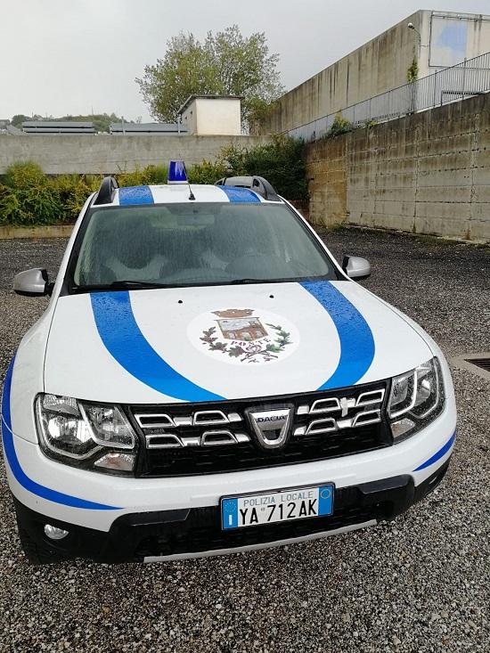 Ponte, Polizia Municipale, ecco l'auto di servizio e gli attestati di Pubblica Benemerenza a Mottola e a Nave