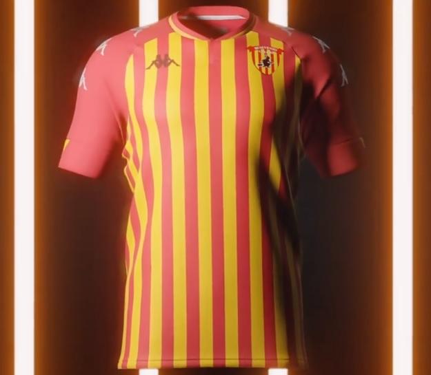 Queste le nuove maglie del Benevento Calcio. Inizia ufficialmente l'avventura nella massima serie