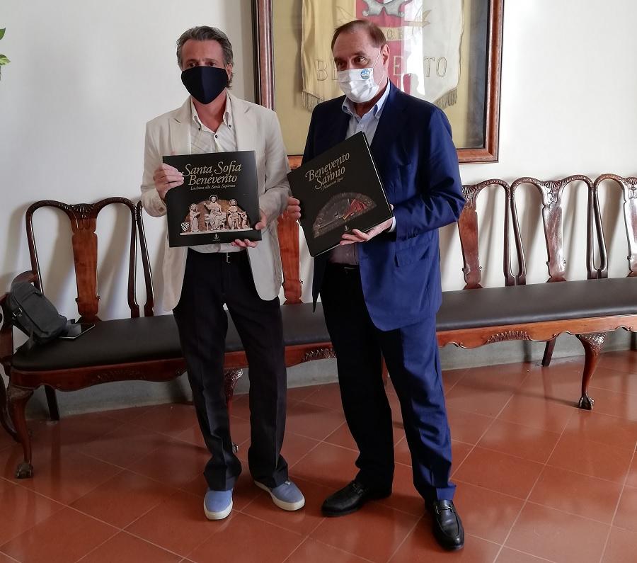 Premio Global Teacher Prize 2020. Il sindaco Mastella ha ricevuto stamani il professor Carlo Mazzone