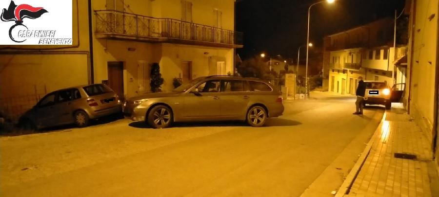 Carabinieri. Braccata banda di ladri e rapinatori, i militari recuperano le autovetture rubate e gli attrezzi atti allo scasso.