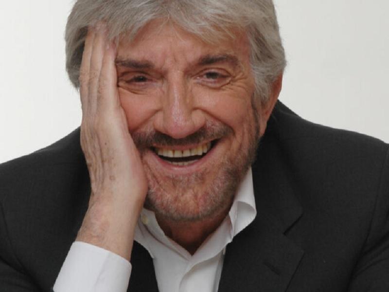 Gigi Proietti,muore nel giorno del suo compleanno. L'attore romano fu più volte protagonista a Benevento Città Spettacolo.