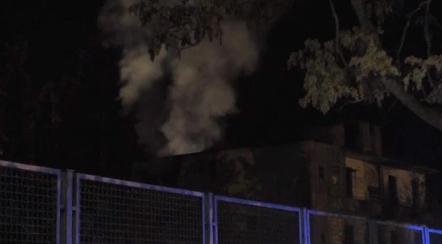 Benevento. Va in fiamme un edificio al Rione Ferrovia