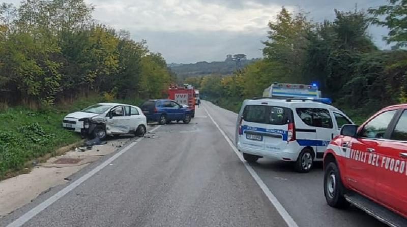 Incidente sulla 90 bis, entrambi i conducenti all'ospedale