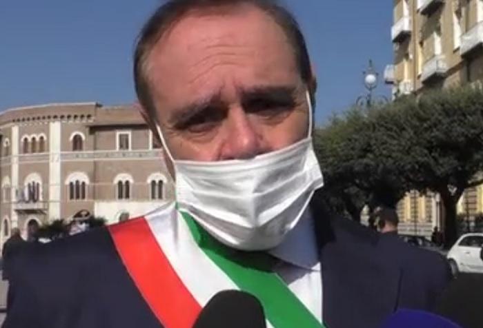 """Mastella risponde a Calenda: """" sei moralmente modesto"""""""