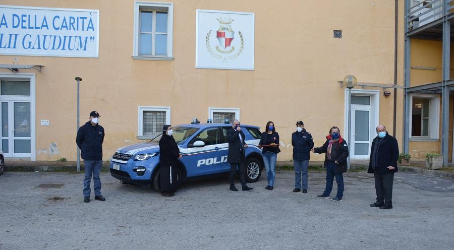 """""""Iniziativa di solidarietà dei poliziotti della Questura di Benevento"""" Stamane cerimonia di consegna alla Caritas"""