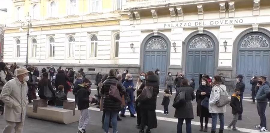 Flash Mob di genitori per riaprire le scuole