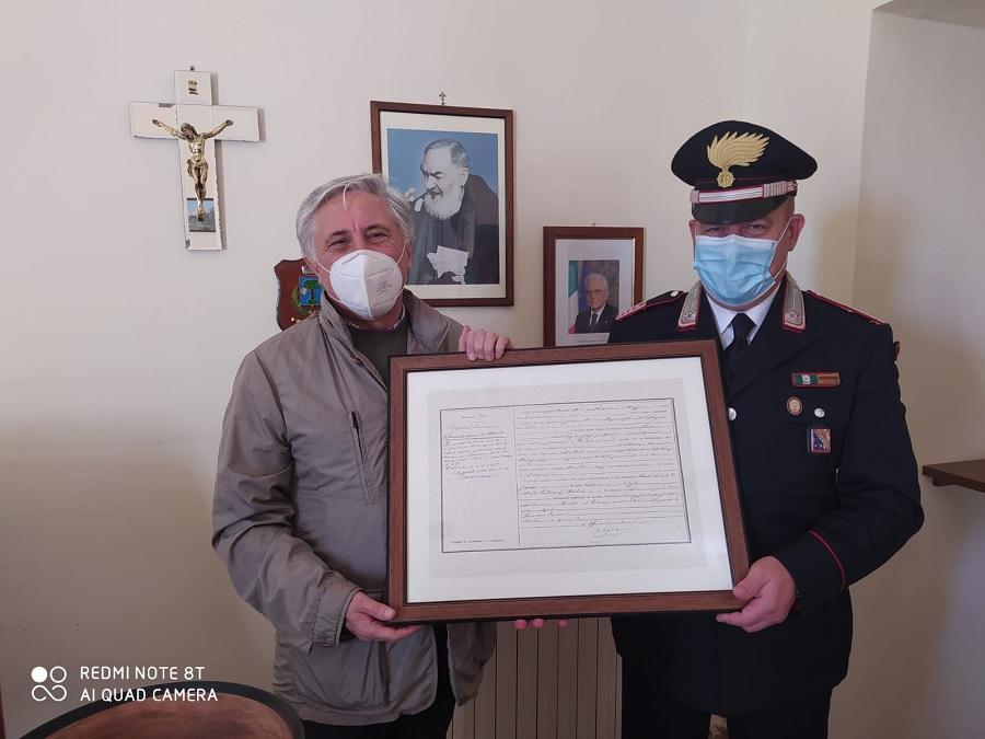 Pietrelcina. Il saluto al Comandante della locale Stazione dei Carabinieri Enrico Nicola Capobianco che lascia per altro incarico