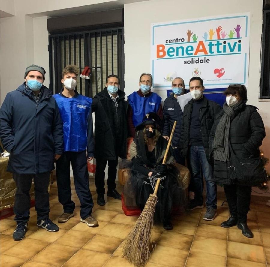 """La Befana ha rallegrato i piccoli al Centro Solidale """"Bene-Attivi"""""""