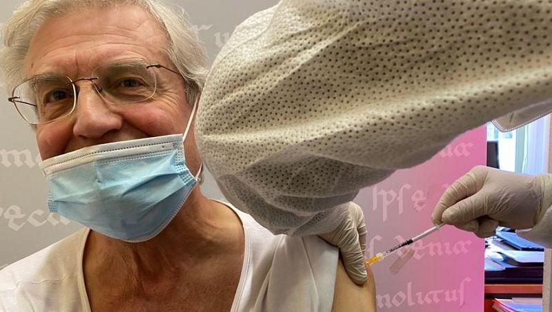 """Vaccini Anticovid – Rettore Acocella:""""Fiducia nella Scienza.Fondamentale vaccinarsi"""""""