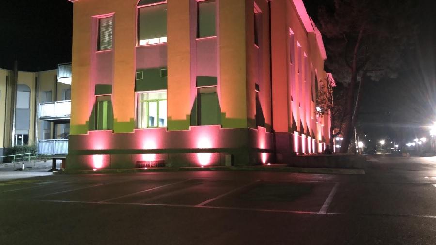 "L'A.O.R.N. ""San Pio"" s'illumina di rosa per l'8 marzo"