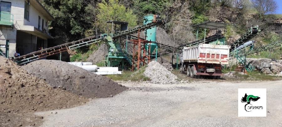 Telese Terme. Carabinieri Forestali sequestrano autocarro con scarti di demolizione