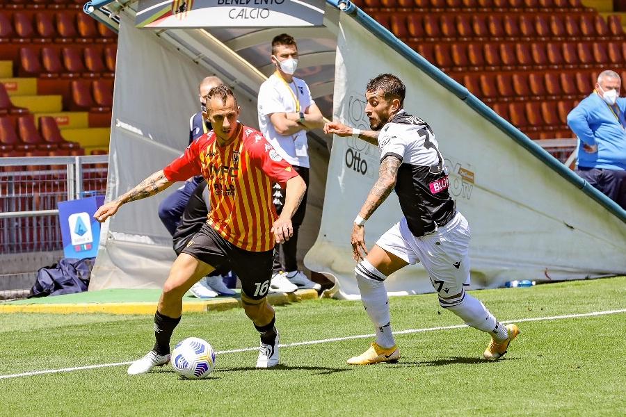 Debacle giallorossa, il Benevento sta buttando alle ortiche il campionato. Benevento 2 Udinese 4