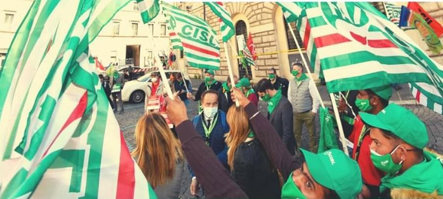 """Agricoltura,sindacati: """"la mobilitazione prosegue con lo sciopero del 30 Aprile,ci aspettiamo fatti concreti"""""""