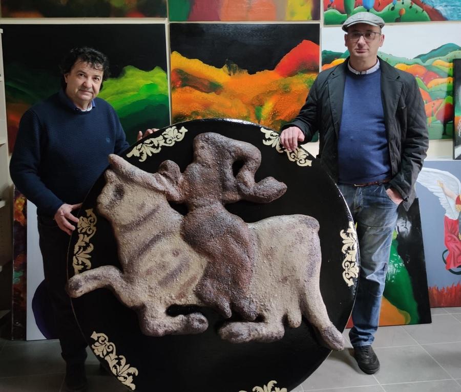 Presentata l'opera del maestro Nicola Pica; mascotte del premio internazionale Assteas.