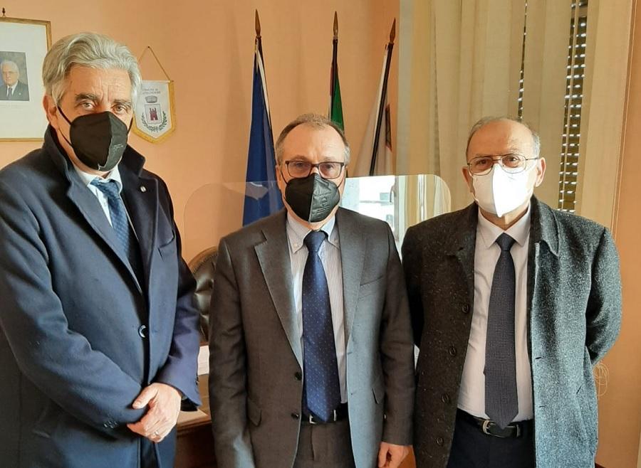 """Alta Velocità NA-BA: il Centro Studi """"A. Moro"""" ricevuto dal Commissario prefettizio Boniello."""