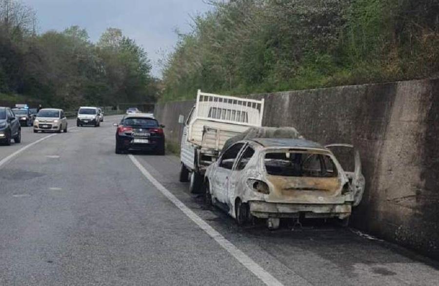 Telesina, auto incendiata e  refurtiva: fermo per tre stranieri e una denuncia.
