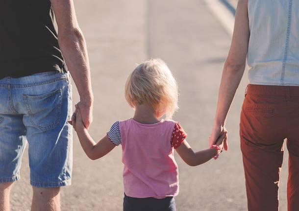 Bartololongo, sportello gratuito di ascolto psicologico per i genitoridi bambini da 0 a 3 anni