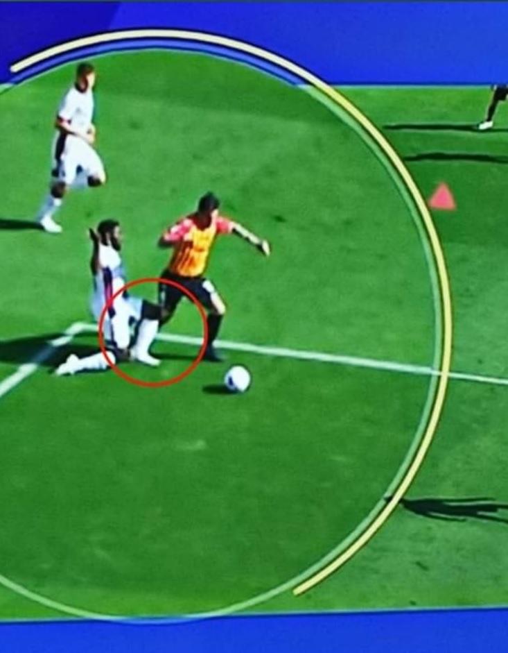 Benevento : rigore si, rigore no, Mazzoleni al Var colpisce ancora. Scandaloso!