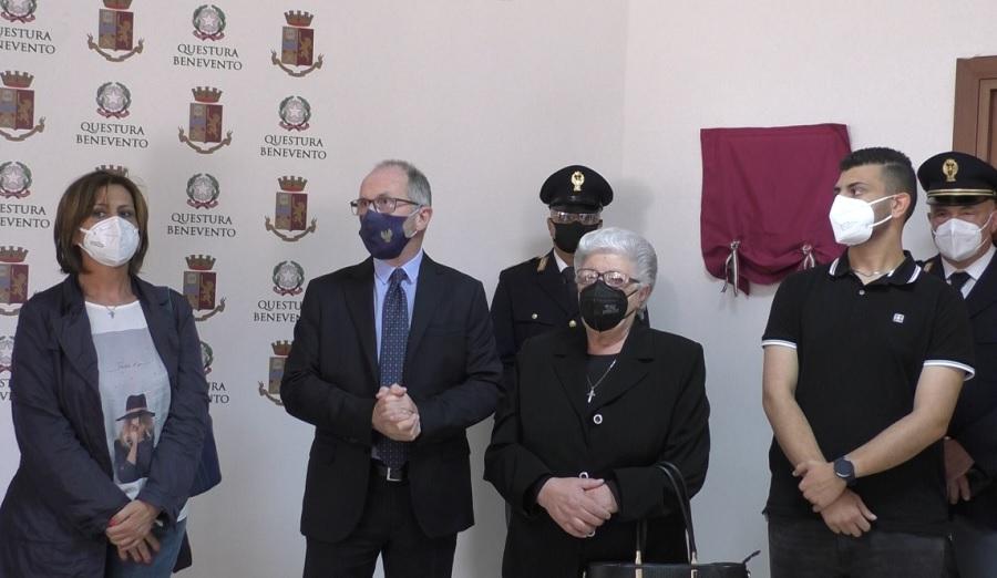 Intitolata la sala riunioni della Questura di Benevento al vice ispettore Luigi Voccola