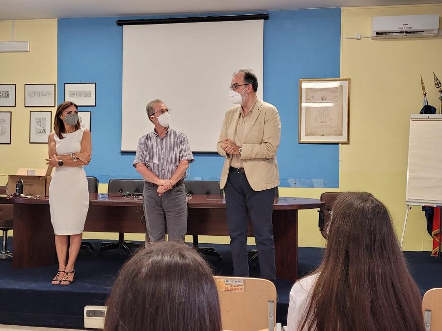 """GESESA premia i vincitori di """"GenerAzione Digitale"""" Cinque studenti dell'Istituto Alberti fanno parte dei Team vincitori"""