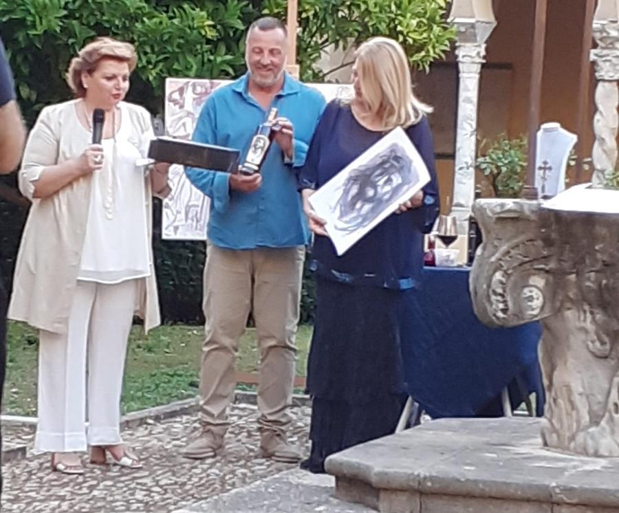 """Dieci anni di UNESCO Accoglienza a Santa Sofia e performance """"enoartistica"""" di Elisabetta Rogai"""