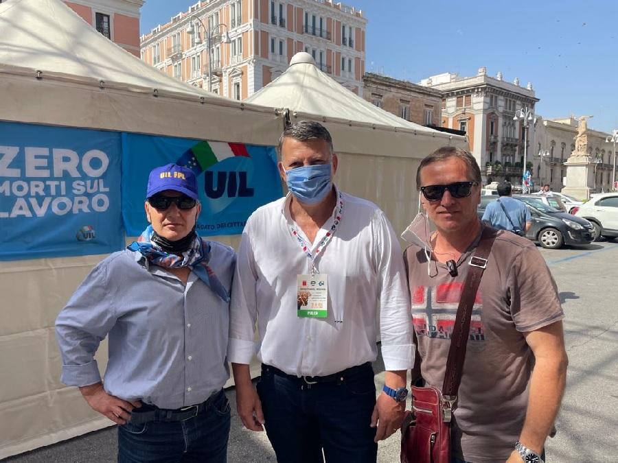 """La Uil di Benevento alla manifestazione nazionale di Bari """"Ripartiamo insieme"""""""