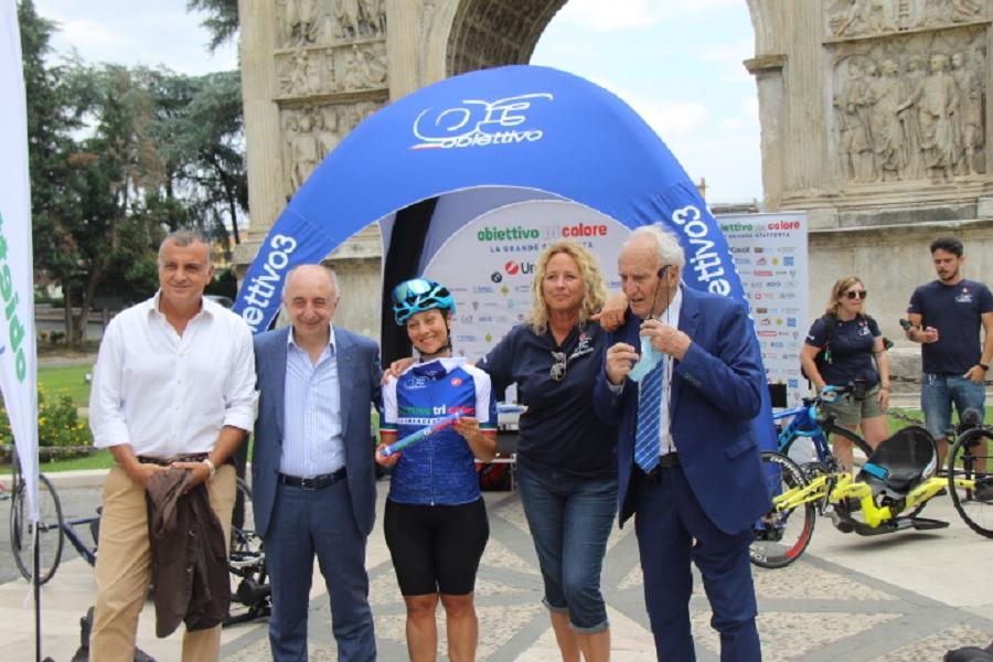 """""""Obiettivo Tricolore"""", manifestazione di solidarietà, stamane all'Arco di Traiano"""