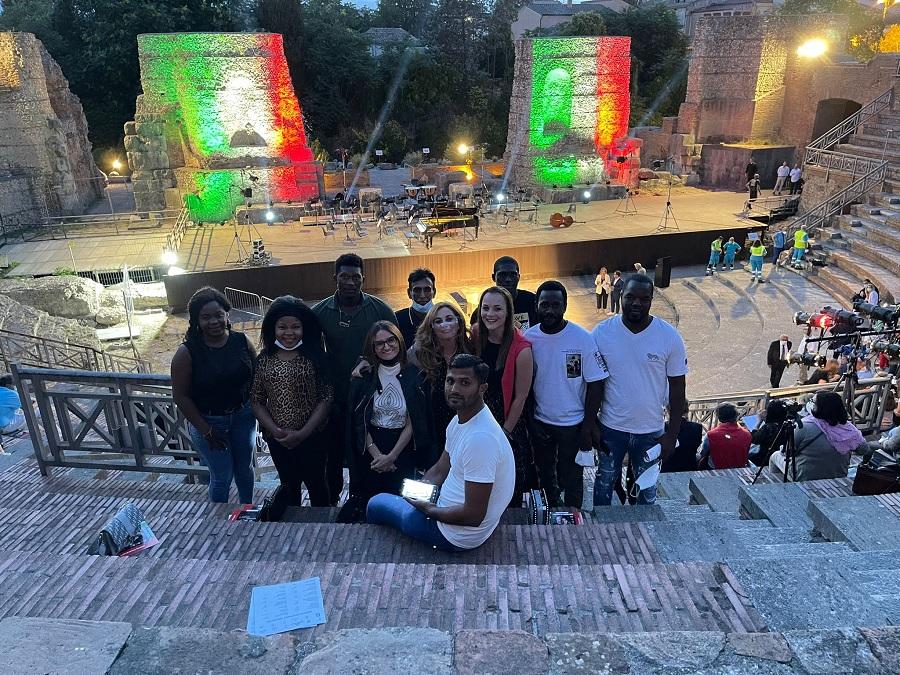 Solidarietà, musica e integrazione: anche i giovani del Sai di Solopaca ieri sera al Teatro Romano