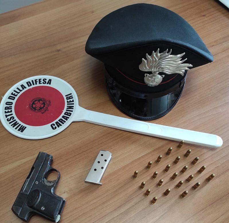 Forchia: trovato in possesso di arma e munizioni, arrestato dai carabinieri 50enne dell'avellinese