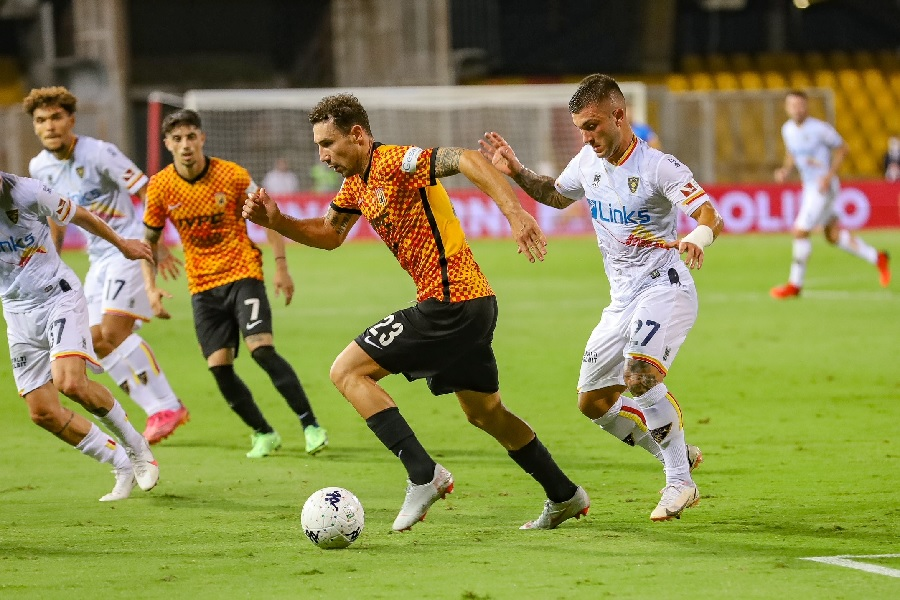 Un Benevento non in serata impatta con il Lecce