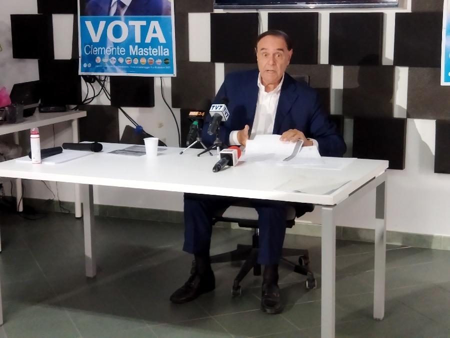 """Mastella : """"Corona e Moretti hanno dedicato parole al mio competitor che io non ho mai utilizzato ed ora vanno a rimorchio"""""""